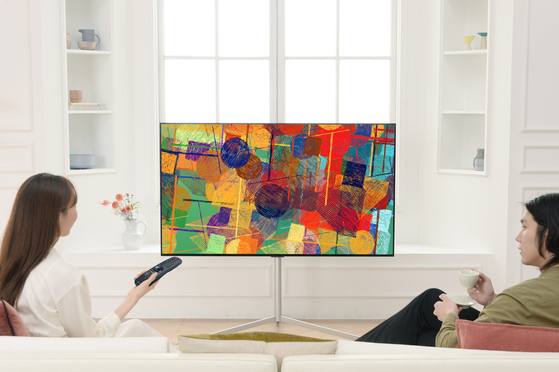 LG전자가 공개한 '2021년형 LG 올레드 TV' 가운데, 차세대 패널을 적용해 화질을 개선한 '올레드 에보' 모델. [사진 LG전자]