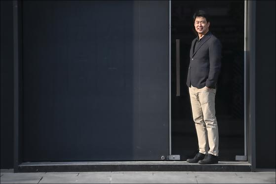 """홍석원 지휘자는 """"무대에서 지휘해본 오페라는 총 40여편이고, 전곡을 당장 지휘할 수 있는 작품은 20여편""""이라고 했다. [사진 서울시오페라단]"""