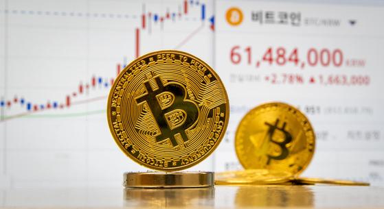 9일 국내 암호화폐(가상화폐) 거래소에서 비트코인 가격이 개당 6100만원을 넘어섰다. 뉴스1