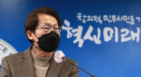 조희연 서울시교육감이지난달 18일 오후 종로구 서울시교육청에서 법원의 세화·배재고에 대한 자율형사립고(자사고) 지정 취소 위법 판결과 관련해 입장을 밝히고 있다. 뉴스1