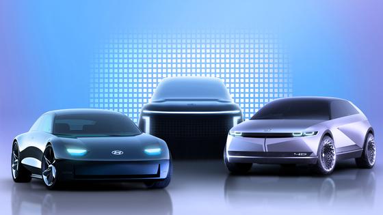 현대차 전기차 라인업. 지난달 아이오닉5(오른쪽)를 출시했으며, 내년 아이오닉6(왼쪽), 2024년 아이오닉7을 출시할 계획이다. [사진 현대차]