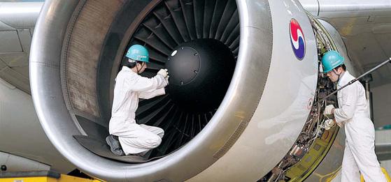 내년부터 항공사 부품관세 면제가 단계적으로 축소되면서 항공사 부담이 늘어날 전망이다. 대한항공