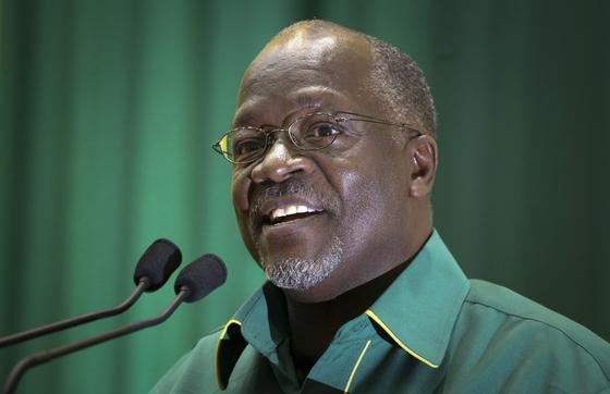 탄자니아 대통령 사망, 생강 먹으면 코로나 바이러스 백신 거부