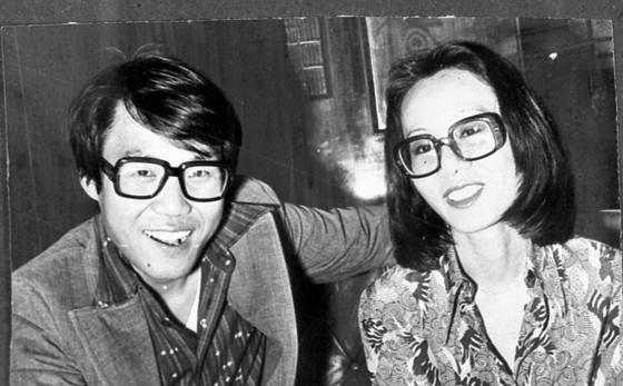 70년대 조영남씨와 윤여정씨. [중앙포토]