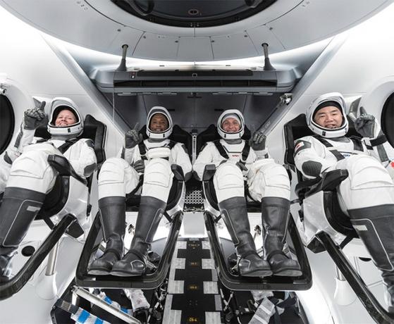 지난해 11월 16일(현지시간) 스페이스X의 민간 우주선을 타고 국제우주정거장에 올라간 우주인들. / 사진:스페이스X