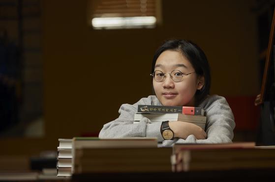 중·고교 검정고시를 패스한 신민주 학생은 최근 영어 공부를 단기 목표로 잡았다.