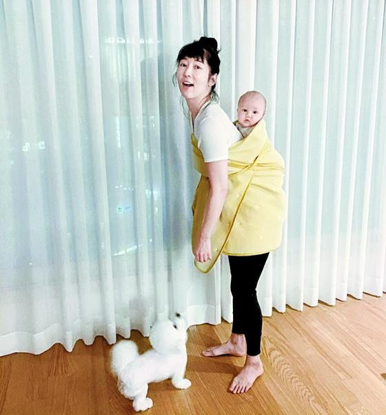 '자발적 미혼모' 사유리가 KBS 육아 예능 프로그램 '슈퍼맨이 돌아왔다'에 출연하게 된 것을 놓고 논란이 확산하고 있다. [인스타그램 캡처]
