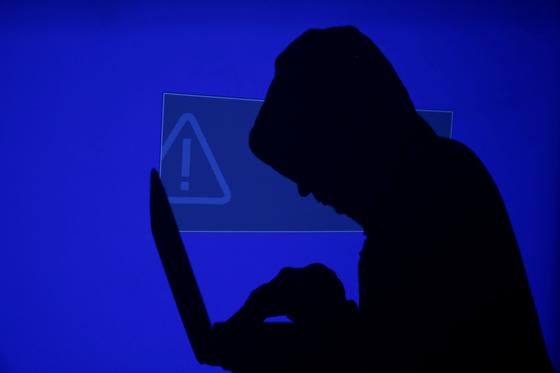 개인 금융정보는 물론, 백신 정보를 탈취하는 사이버 공격이 기승을 부린다. 사진 로이터=연합뉴스