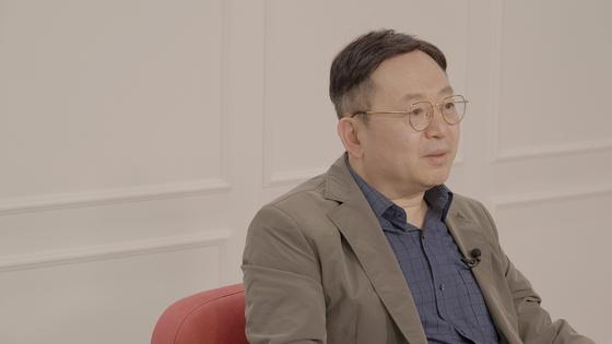지난 28일 '토크멘터리전쟁사' 출연한 임용한 한국역사고전연구소 소장이 중앙일보와 인터뷰하고 있다. 정수경PD