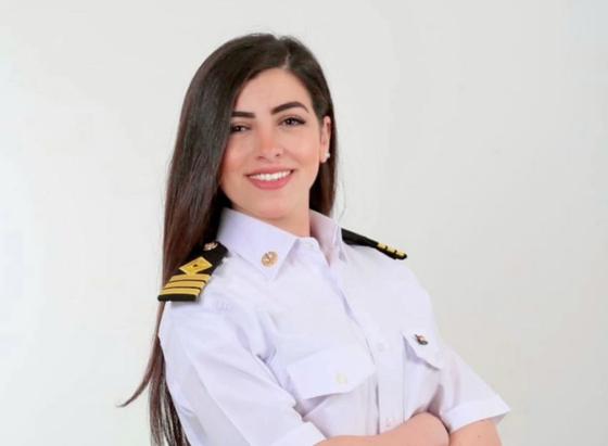 """""""수에즈 운하 사고는 내 잘못이 아니다""""이집트 최초의 여성 대위, 가짜 뉴스 피해"""