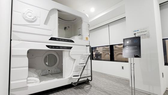 더존비즈온 서울 을지사옥에 설치된 산소 캡슐방. 사진 더존비즈온