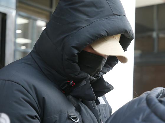 나체 사진을 유포하겠다며 협박한 혐의를 받는 국가대표 출신 승마선수 A씨. 연합뉴스