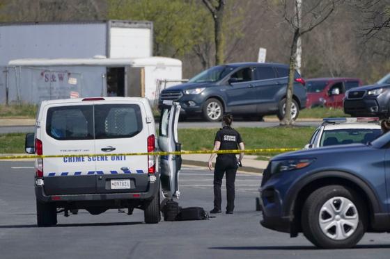 6일(현지시간) 미국 메릴랜드주에서 현역 군인이 2명에게 총격을 가하는 사건이 발생한 현장 인근. AP=연합뉴스