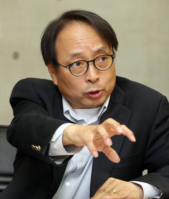 김형준 명지대 인문교양학부 교수. 최정동 기자