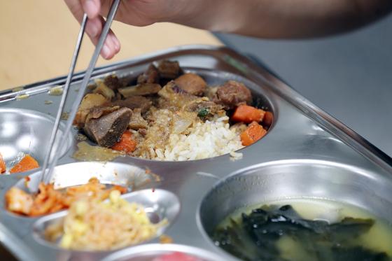 2018년 10월 29일 서울의 한 고등학교 급식 모습. 연합뉴스