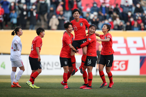 2020 도쿄 올림픽 티켓에 도전하는 여자 축구대표팀. 대한축구협회 제공