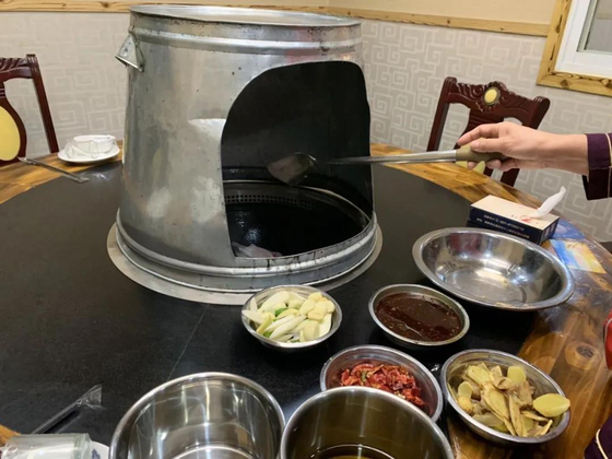 우한 봉쇄 해제 1주년을 맞아 팡팡 작가가 자신의 글에 올린 식당의 사진. [사진=팡팡 웨이보]
