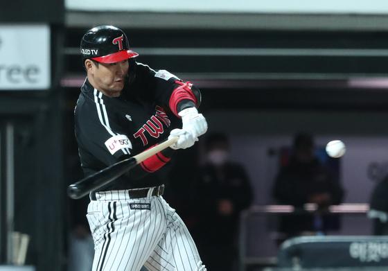 8일 수원 KT전에서 대타로 나와 만루홈런을 친 LG 유강남. [뉴스1]