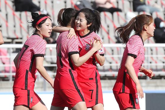 여자축구대표팀이 장창과 조미진을 제외하고 중국 원정 엔트리를 확정했다. [뉴스1]
