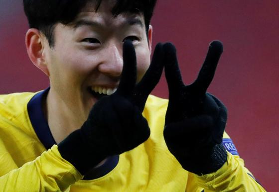 손흥민이 다음 시즌 유럽 챔피언스리그 출전을 위해 동료들의 분발을 촉구했다. [로이터=연합뉴스]