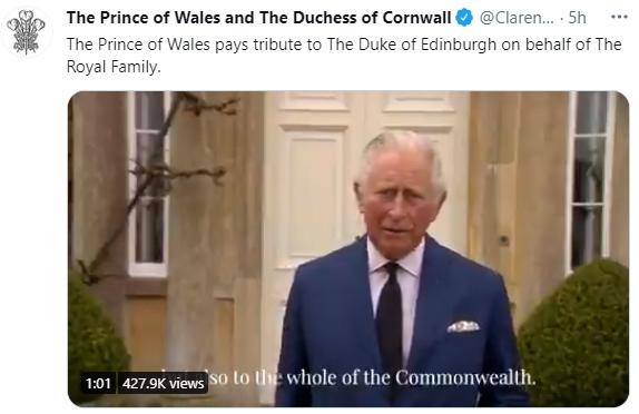 영국 엘리자베스 2세 여왕과 필립공의 첫째 아들 찰스 왕세자가 10일(현지시간) 취재진 앞에서 아버지를 향한 전 세계적인 추모 물결에 감사 인사를 하고 있다. 사진 영국 왕실 트위터