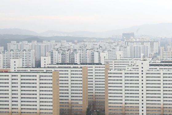 최근 1년 아파트값 상승률 1위를 기록한 서울 노원구 아파트 단지의 모습. 뉴스1