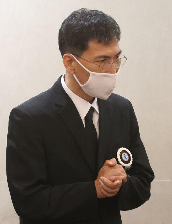 지난해 7월 6일 오전 서울 종로구 서울대병원 장례식장에 안희정 전 충남지사의 모친 빈소가 차려졌다. 최정동 기자