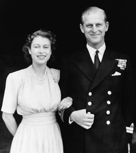 1946년 결혼한 엘리자베스 2세 영국 여왕과 필립 공. 두 사람은 74년간 부부로 살며 가정과 국가를 지켰다. AP=연합뉴스