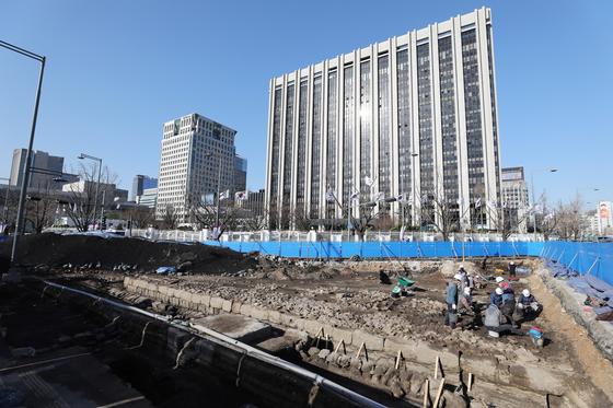 서울 광화문광장 재구조화 공사 중인 정부서울청사 앞 도로. 뉴스1