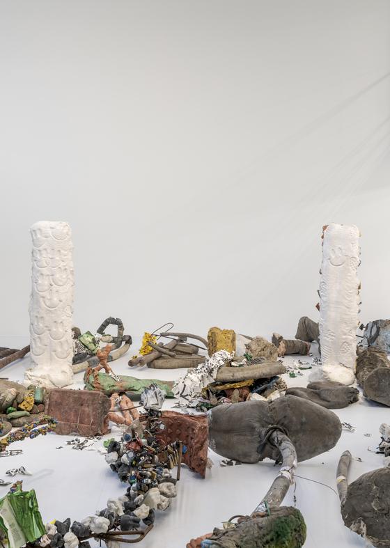 영국 작가 마이클 딘의 '삭제의 정원' 전시 전경. [사진 바라캇 컨템포러리]