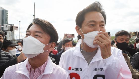 오세훈 서울시장과 안철수 국민의당 대표가 후보 시절 함께 선거 유세에 나선 모습. 오종택 기자