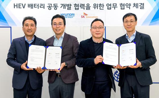 현대차·기아와 SK이노베이션이 공동으로 하이브리드카 배터리를 개발한다고 16일 밝혔다. [사진 현대자동차]