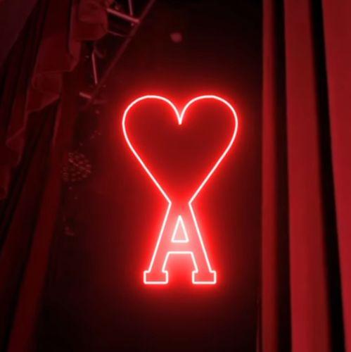 신명품으로 인기를 얻고 있는 프랑스 디자이너 브랜드 '아미'. 사진 아미 공식 인스타그램 캡처