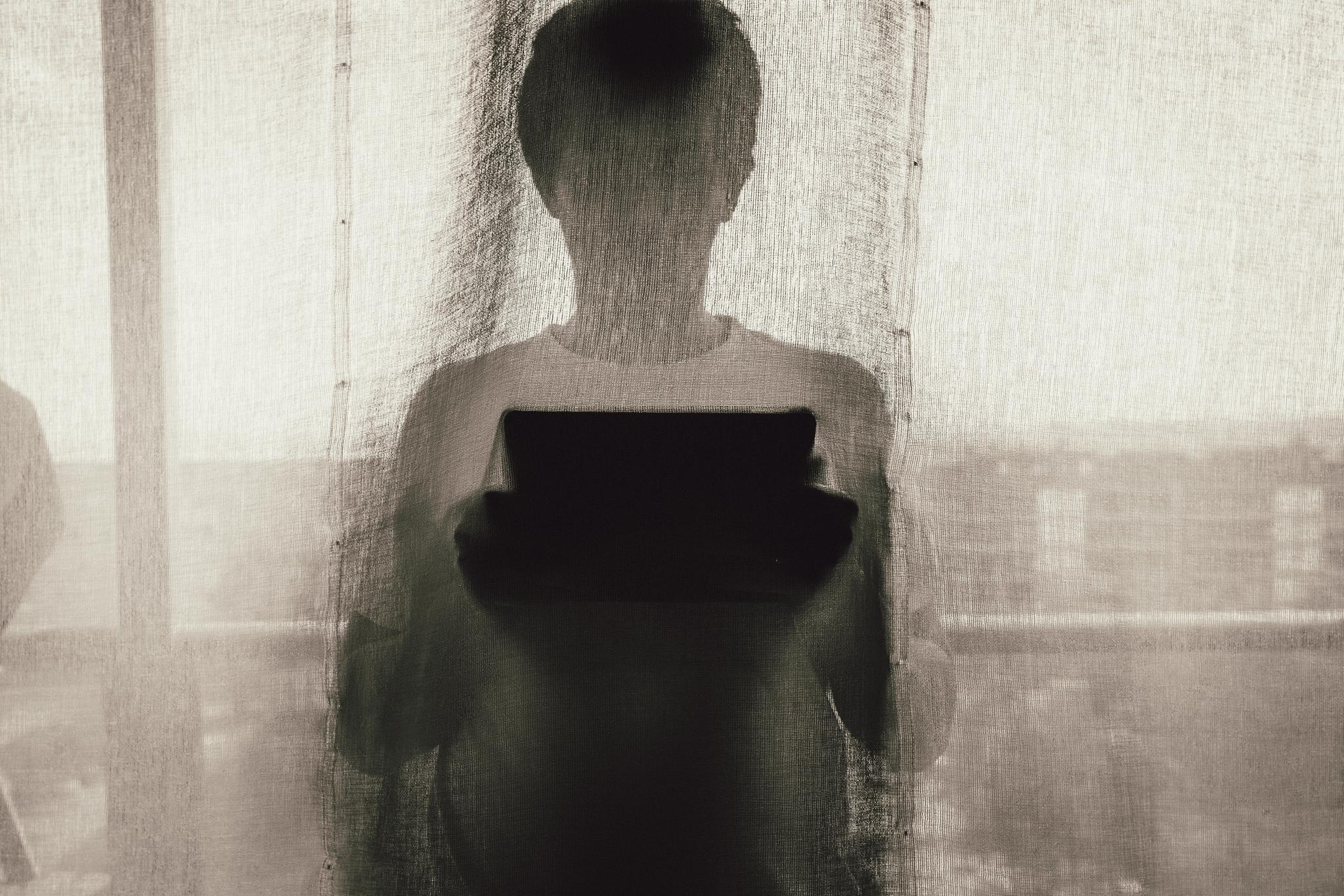 스토킹 피해자들은 일방적인 구애 행위가 고통의 시작이었다고 말한다. 기사와 관련없는 이미지. pexels