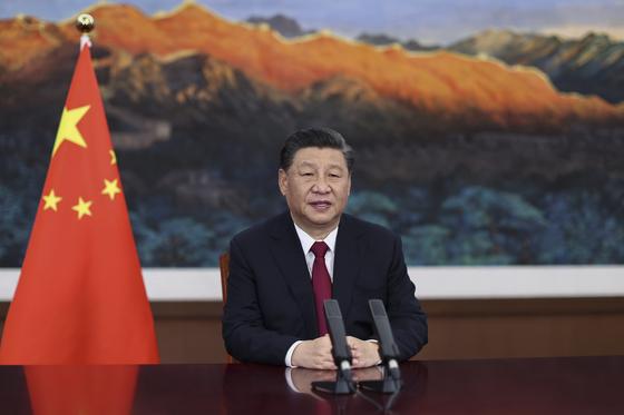 시진핑 중국 국가주석이 20일 하이난도 보아오에서 열린 2021년 보아오 포럼 연차 총회 개막식에서 화상 방식으로 개막 연설을 하고 있다. [신화=연합뉴스]