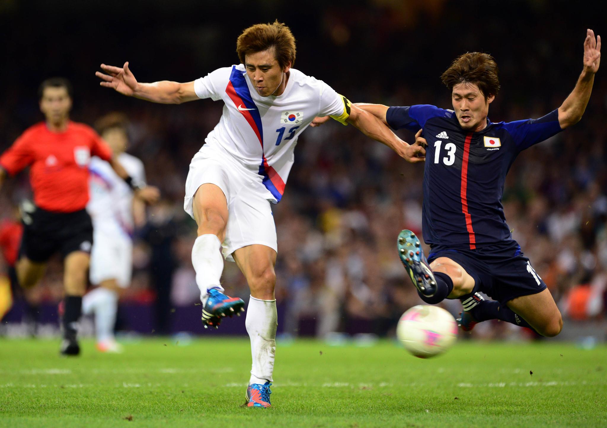 2012년 런던올림픽 일본과 동메달 결정전에서 쐐기골을 터트리는 구자철(왼쪽). [중앙포토]