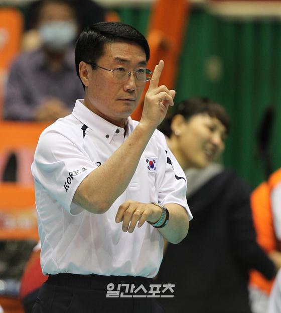 지난 2012년 여자 배구 대표팀을 이끌었던 김형실 감독. IS포토