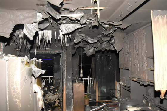 전기적 요인으로 불이 난 수원시 한 아파트 화재 현장. 수원남부소방서