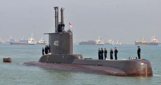 발리 인근 해역서 21일(현지시간) 훈련중 실종된 인도네시아 해군 낭길라함의 모습. [로이터=연합뉴스]