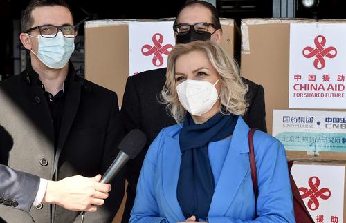 중국 백신을 들여온 몬테네그로의 보건장관 [신화=연합뉴스]