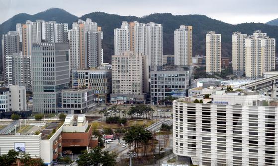 올해 공동주택 가격이 70% 올라, 상승률 1위를 차지한 세종시 일대 아파트 단지의 모습. [프리랜서 김성태]