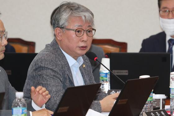 조응천 더불어민주당 의원이 발언을 하고 있다. 뉴스1
