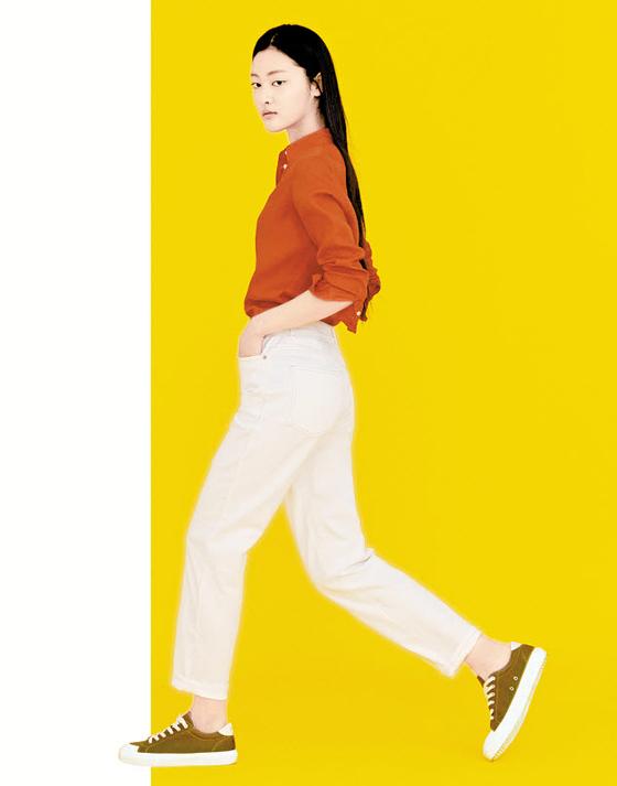 빈폴은 격식을 갖추는 동 시에 편안하고 세련되게 입을 수 있는 리넨 아이템 을 토대로 다채로운 스타 일링을 선보였다. [사진 삼성물산 패션부문]