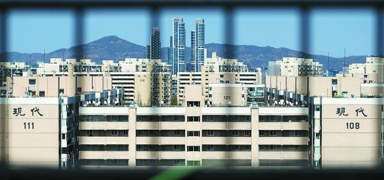 재건축을 추진하고 있는 서울 강남구 압구정동의 한 아파트 단지. 뉴스1