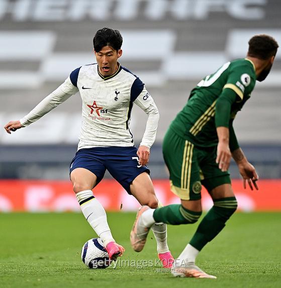 토트넘 손흥민(29)이 3일(한국시간) 영국 런던 홋스퍼 스타디움에서 열린 셰필드전에서 뛰고 있다. 사진=게티이미지