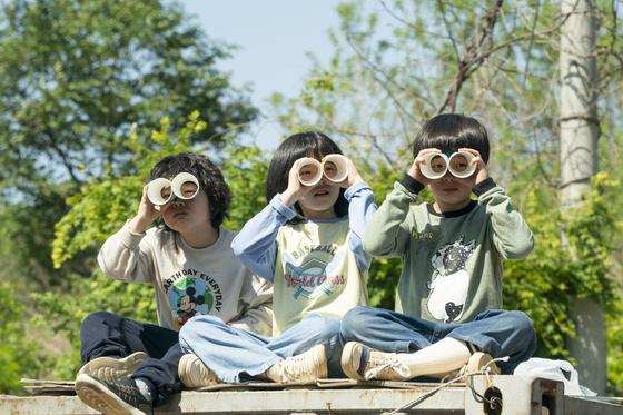 영화 아이들은 즐겁다의 삼총사 다이(오른쪽부터)와 유진, 민호. [사진 CJ ENM·메가박스중앙 플러스엠]