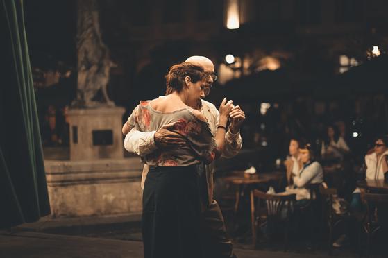 댄스는 순간의 예술이라 지나면 잊혀진다. 잘했으면 얼마나 잘했고, 못 했으면 얼마나 못 했을까. 차이는 별로 없다. [사진 unsplash]