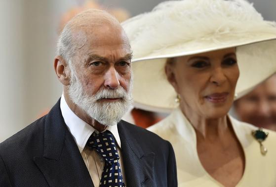 엘리자베스 2세 영국 여왕의 사촌인 마이클 켄트 왕자가 왕실의 지위를 내세워 블라디미르 푸틴 러시아 대통령과 연결해주는 대가로 돈을 받으려했다는 의혹이 불거졌다. AP=연합뉴스