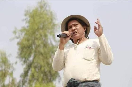 미얀마 저항 시인 켓 띠(45)가 9일(현지시간) 몽유와 지역 병원에서 시신으로 발견됐다고 그의 부인이 BBC 버마어 뉴스를 통해 전했다. [현지 매체 더친익스프레스]
