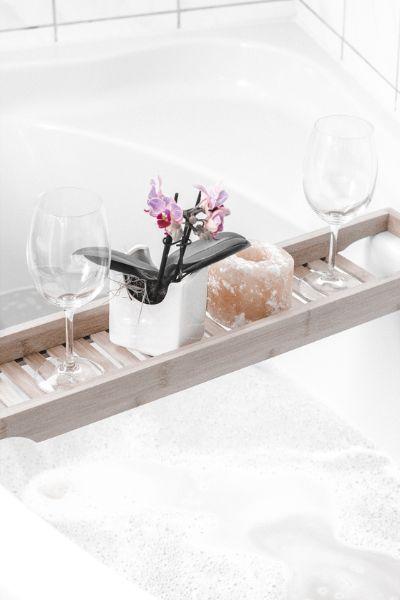 욕조트레이는 목욕의 즐거움을 향상시킨다. [사진 unsplash]